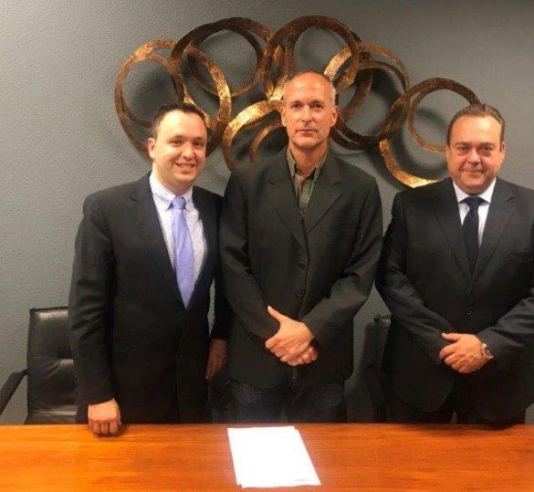 ECOTRUCK Services y FENADISMER firman acuerdo de colaboración para la transformación de vehículos Pesados y Ligeros de mercancías